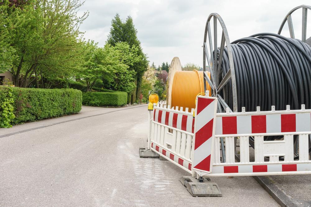 FTTB: Fiber to the building connections, voor snellere internetsnelheden dan het Europese gemiddelde.